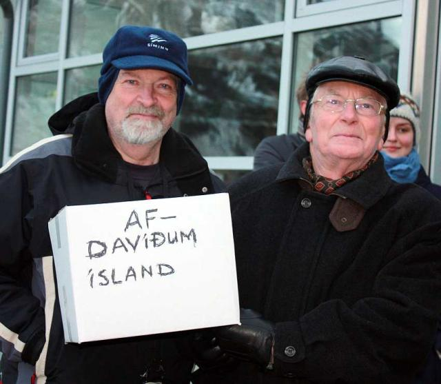 Frá útifundinum á Seyðisfirði