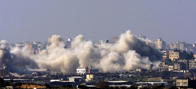 Sprengjum hefur ringt yfir Gaza í 18 daga.