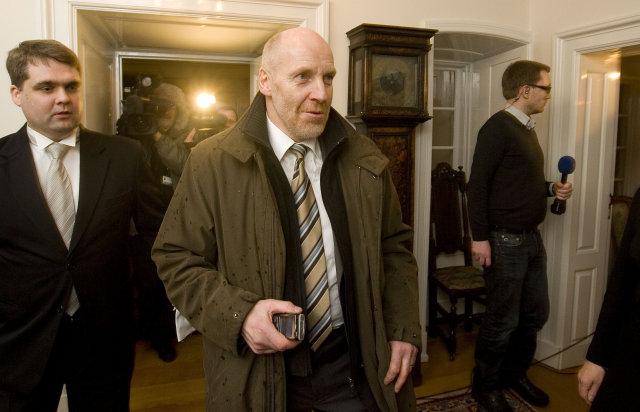 Steingrímur J. Sigfússon kemur á fund forseta Íslands á Bessastöðum ...
