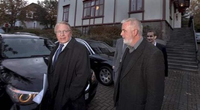 Vilhjálmur Egilsson, framkvæmdastjóri SA og Gylfi Arnbjörnsson forseti ASÍ koma ...