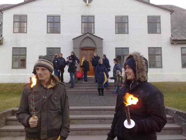 Hópurinn safnaðist saman utan við Stjórnarráðið.