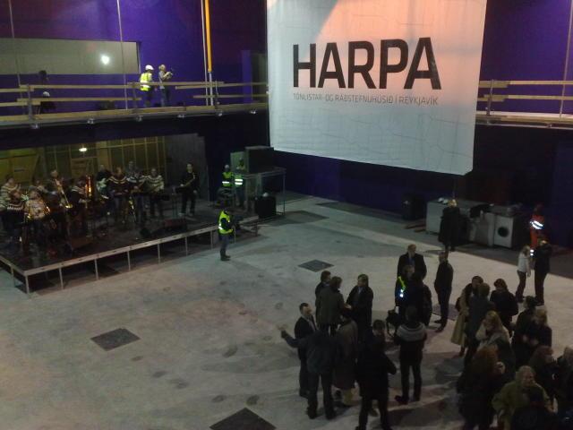 Það var Harpa Karen Antonsdóttir sem gaf húsinu nafnið Harpa.