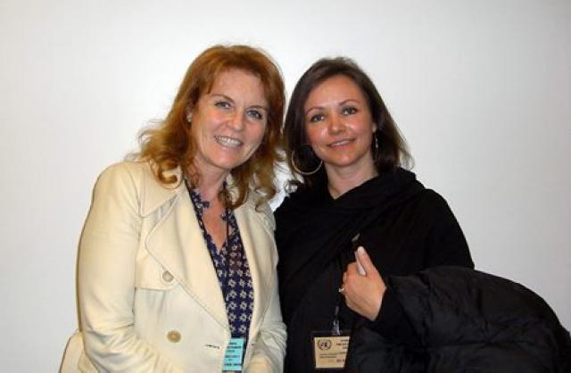 Sarah Ferguson (t.v.) og Hendrikka Waage.