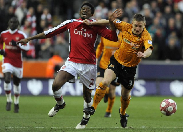 Abou Diaby spilar ekki með Arsenal á morgun.