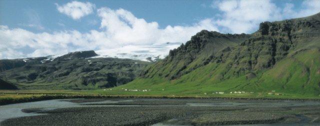Undir Eyjafjöllum. Íbúum þar var gert að yfirgefa heimili sín.
