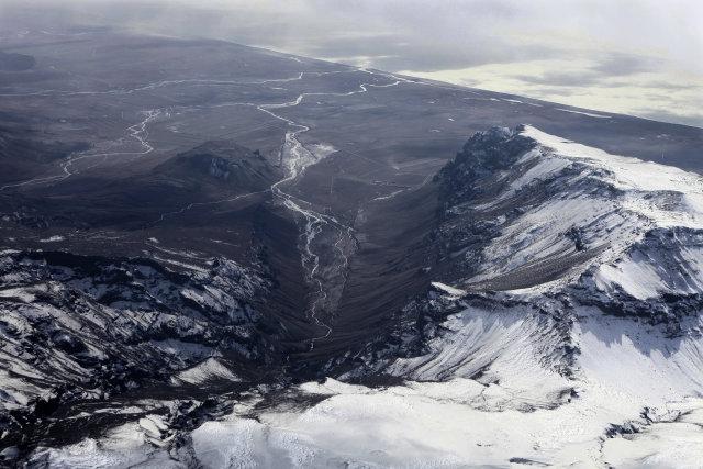 Séð niður til Eyjafjallasveitar þar sem öskufallið varð einna mest.
