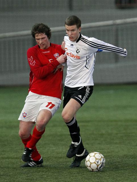 Viktor Örn Guðmundsson í leik með FH gegn Val í ...