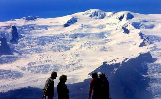 Vatnajökull hefur rýrnað um 7% frá 1890 en jökullinn á ...