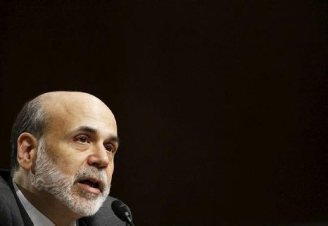 Bernanke ber vitni fyrir þingnefnd í gær.