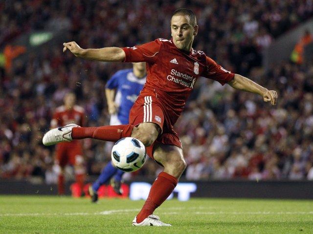 Joe Cole er kominn til Liverpool frá Chelsea.