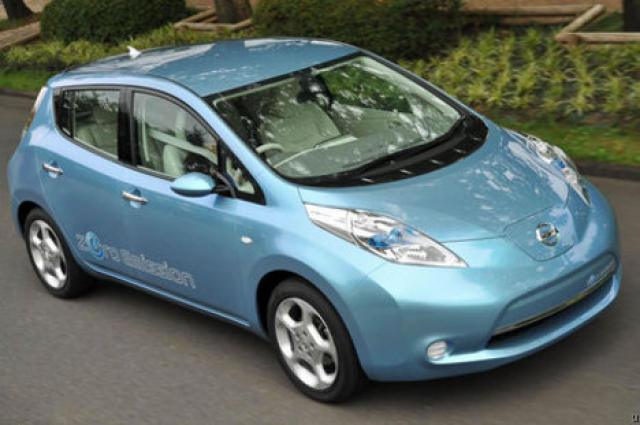 Rafbíllinn Nissan Leaf kostar á þriðju milljón króna með skattafslætti …