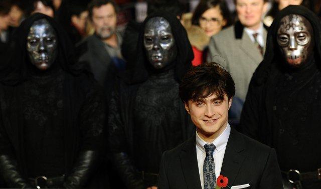 Daniel Radcliffe kemur til frumsýningar á nýjustu myndinni um Harry ...