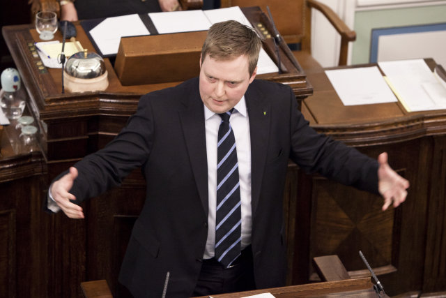 Is the net closing in on Sigmundur Davíð Gunnlaugsson?