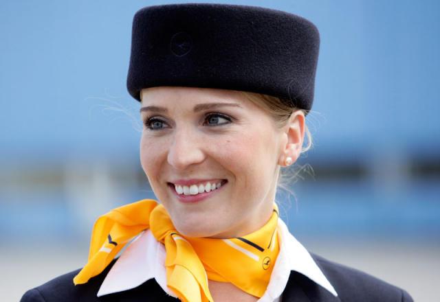 Flugfreyja Lufthansa. Myndin tengist efni fréttarinnar ekki beint.