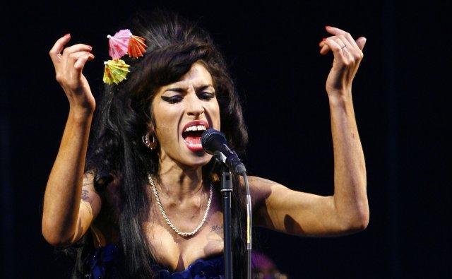 Amy Winehouse er látin, 27 ára að aldri.