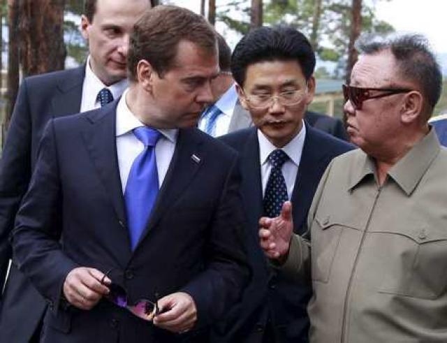 Medvedev og Kim ræðast við í Síberíu í morgun.