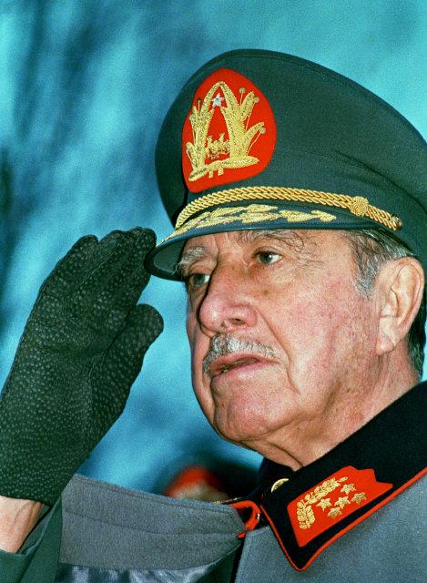 Augusto Pinochet var einræðisherra í Chile.