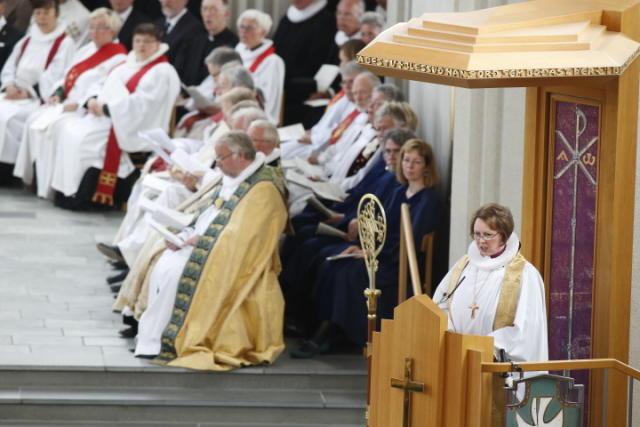 Frú Agnes M. Sigurðardóttir, biskup Íslands, var með 843 þúsund …