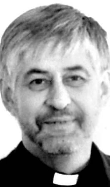 Sr. Cecil Haraldsson, sóknarprestur á Seyðisfirði var þriðji hæst launaði …