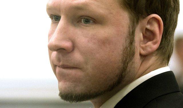 Anders Behring Breivik við upphaf réttarhaldanna yfir honum fyrr í ...