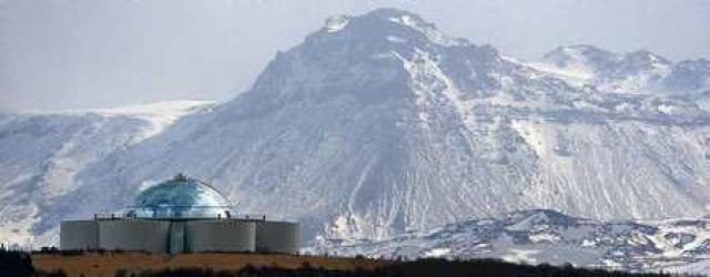 Vífilsfell er 655 metra hátt og vinsælt göngufjall enda rétt ...