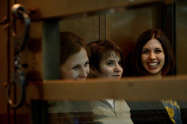 Þremenningarnir í Pussy Riot (f.v.) Yekaterina Samutsevich, Maria Alyokhina og …