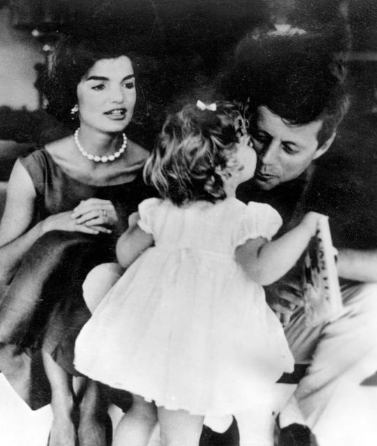 Jackie Kennedy Onassis gekk að eiga John F. Kennedy árið …