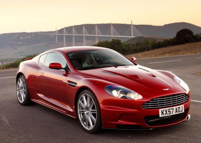 Aston Martin af nýjustu gerð.