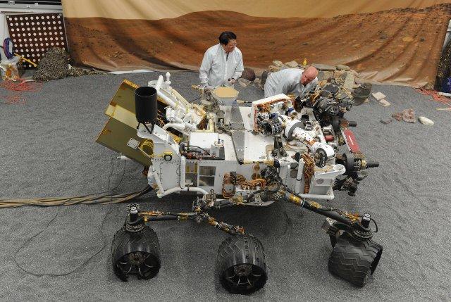 Líkan af Mars-könnunarfarinu Curiosity.