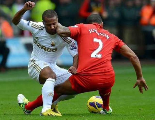 Wayne Routledge í leik með Swansea.