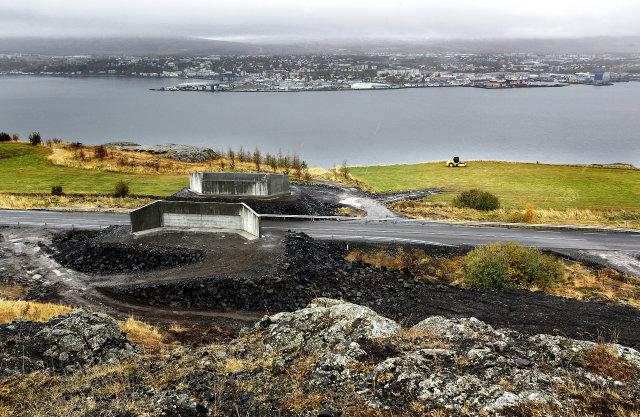 Byrjað verður að bora Eyjafjarðarmegin.