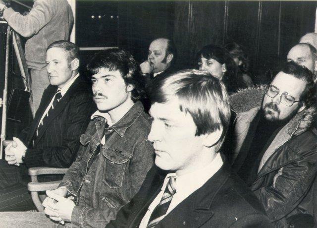 Kristján Viðar Viðarsson fyrir miðju við réttarhöldin 1980.