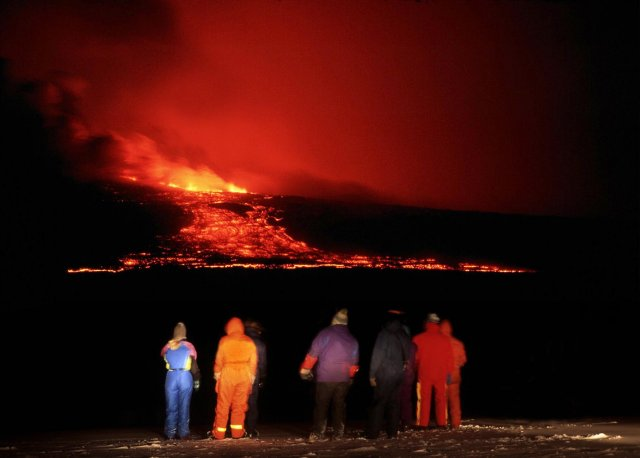 Scenes from the last Hekla eruption in 2000.