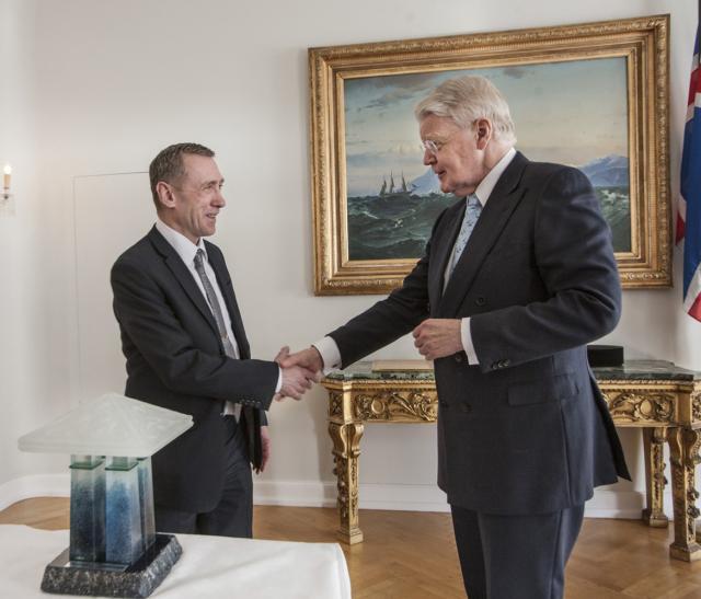 Vilhjálmur Vilhjálmsson, forstjóri HB Granda, og Ólafur Ragnar Grímsson, forseti ...