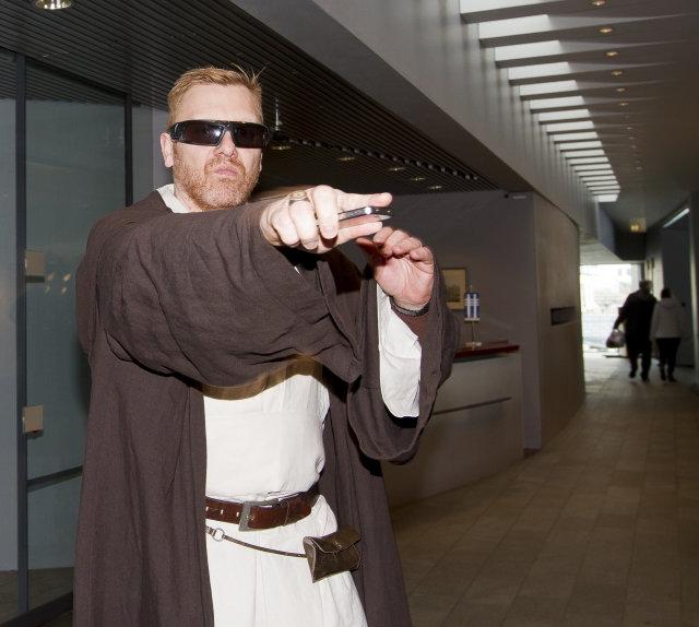 Jón Gnarr borgarstjóri leikur Obi Wan Kenobi úr Star Wars.