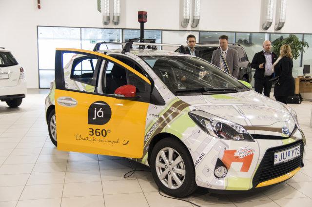 Sérútbúinn Toyota Yaris tvinnbíll verður notaður til verksins.