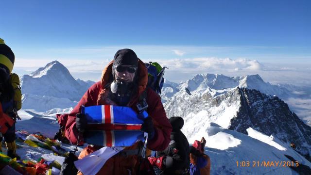 Ingólfur Geir Gissurarson á toppi Everest á þriðjudagsmorgun.