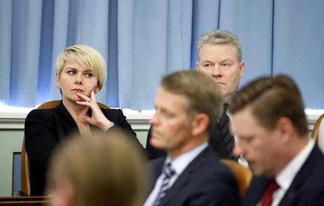 Ragnheiður Elín Árnadóttir, iðnaðar- og viðskiptaráðherra, og Ragnheiður Elín Árnadóttir, ...