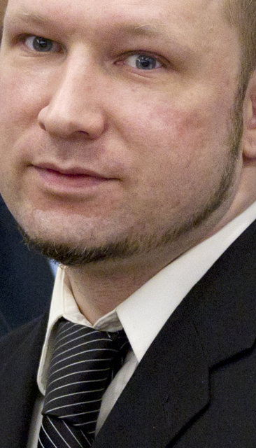 Saksóknara mislíkaði að Anders Behring Breivik skyldi brosa þegar hann …