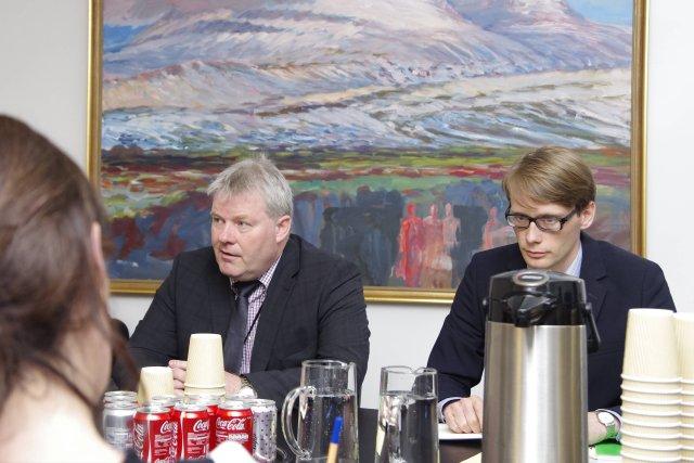 Sigurður Ingi Jóhannsson sjávarútvegsráðherra og Arnór Snæbjörnsson, starfsmaður sjávarútvegsráðuneytisins.