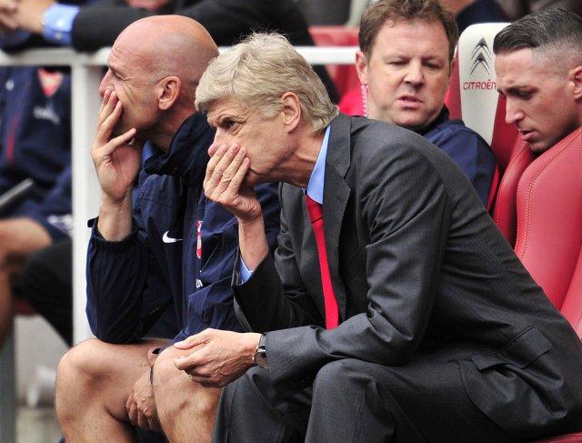 Wenger hefur verið gagnrýndur mikið í sumar.