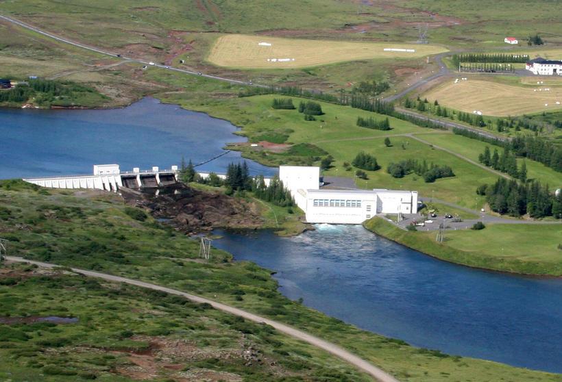 Hagfræðingur segir að ekki þurfi að selja nema 20-30% Landsvirkjunar ...