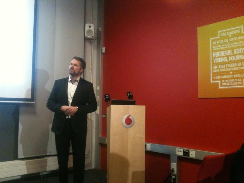 Ómar Svavarsson, forstjóri Vodafone, á blaðamannafundinum í dag.