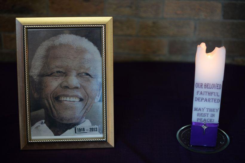 Mandela lést 5. desember, 95 ára að aldri.
