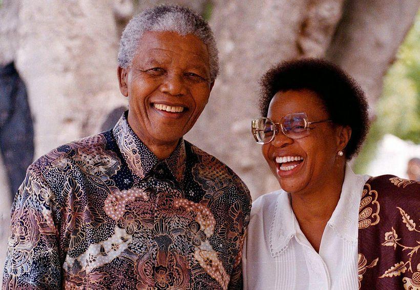 Nelson Mandela og eiginkona hans Graca Machel.
