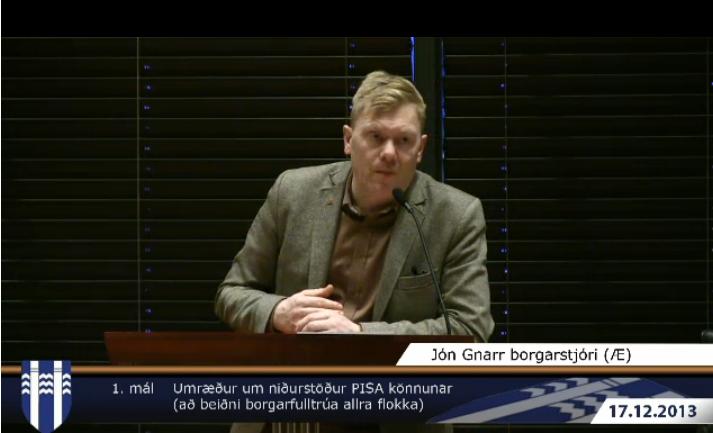 Jón Gnarr í ræðustól í dag.