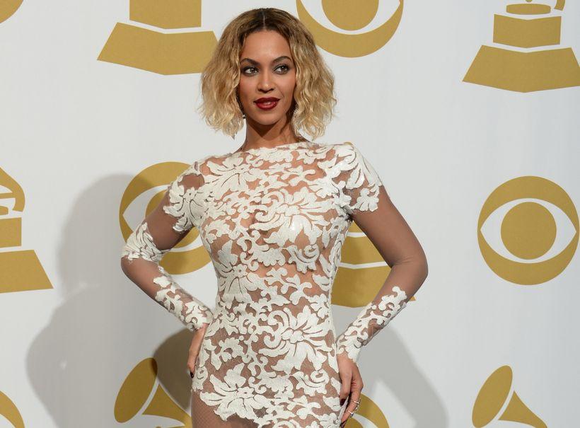 Beyoncé á Grammy-verðlaunahátíðinni árið 2014 í kjól frá Michael Costello.