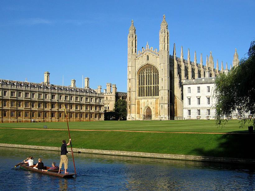 Frá Cambridge University.