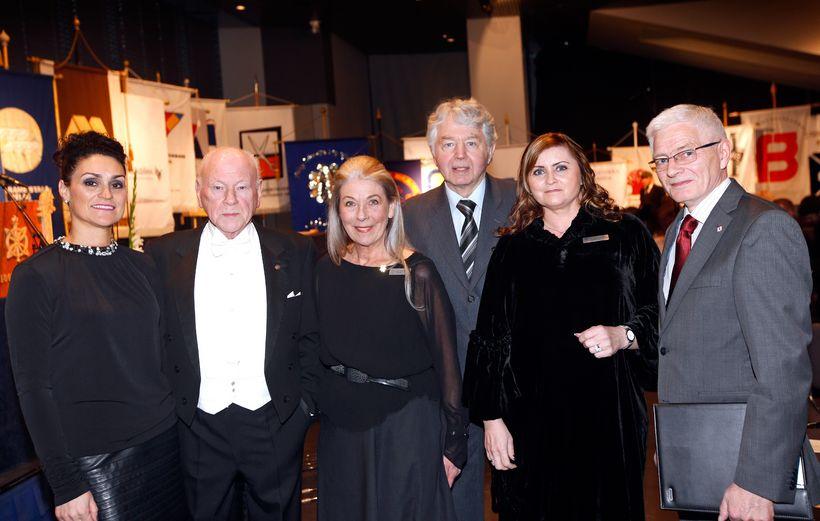 Guðrún Pétursdóttir, Guðmundur Ó. Eggertsson, Elsa Haraldsdóttir, Helgi Steinar Karlsson, ...
