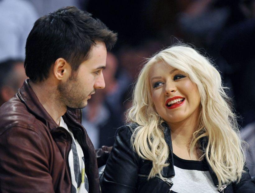 Christina Aguilera og Matthew Rutler á körfuboltaleik árið 2012.